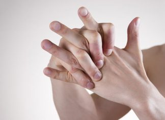 Does knuckle cracking harm your joints?