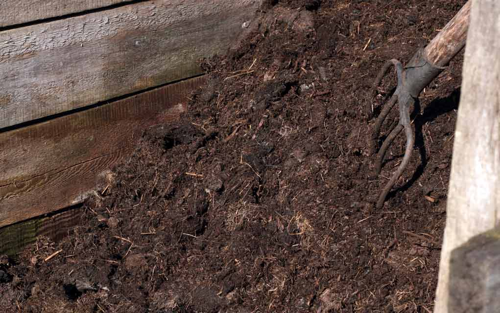 Mixing-Compost