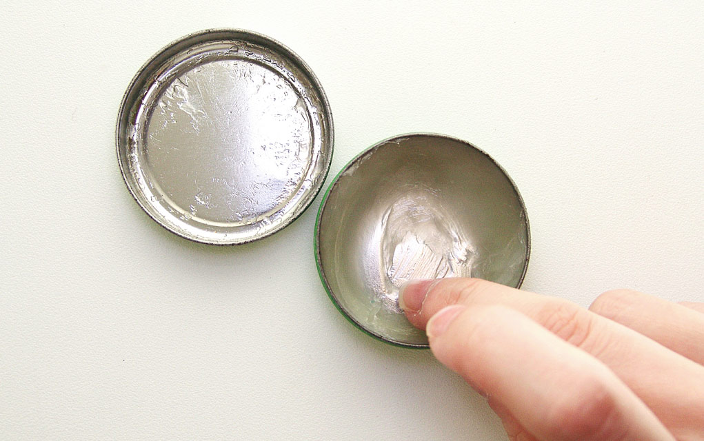 Using Petroleum Jelly for Survival