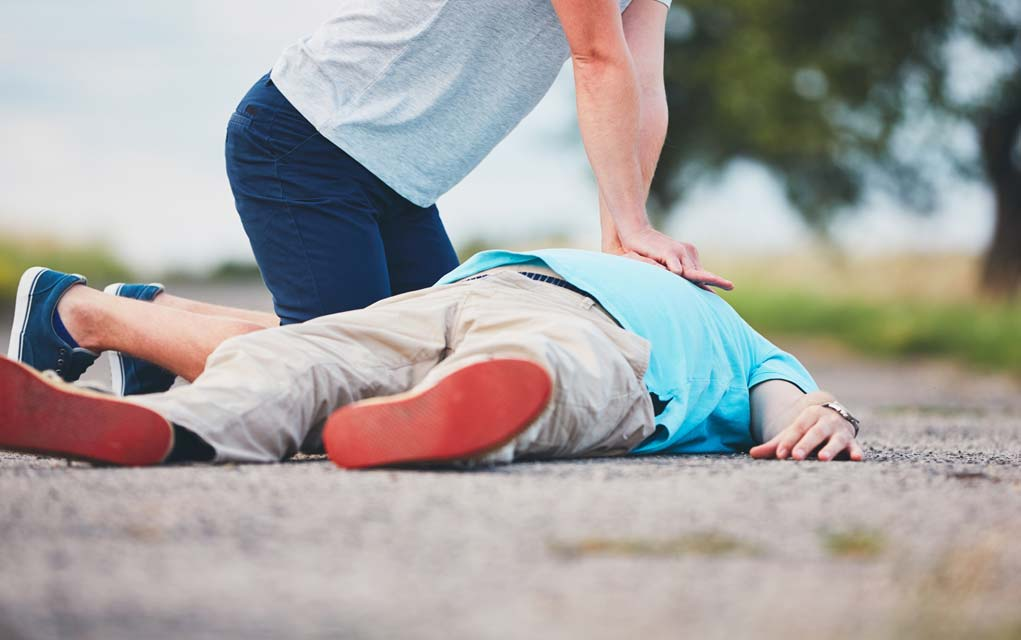 What-You-Should- Do-When-Ribs-Breaks-During-CPR