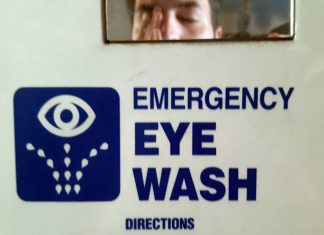 What You Should Do When Dangerous Chemicals Splash in Your Eye