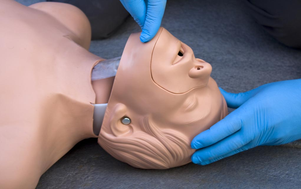 How-to-Open-the-Airway-in-an-Unconscious-Person