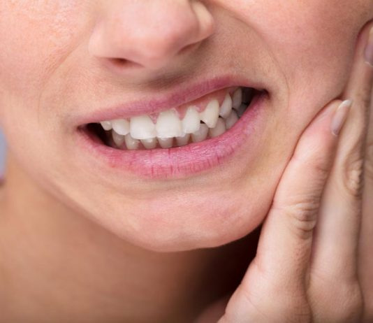 This is One of the Safest Toothache Home Remedies to Relieve Pain