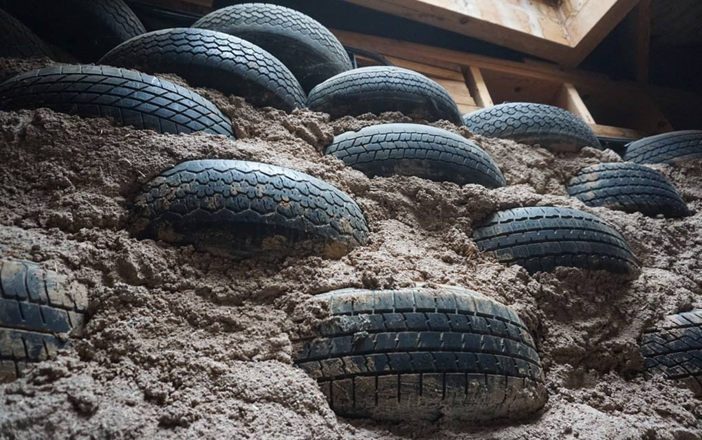 Using-Old-Tires-For-Survival